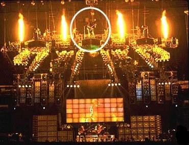Alive  Worldwide  1996/1997 96e10