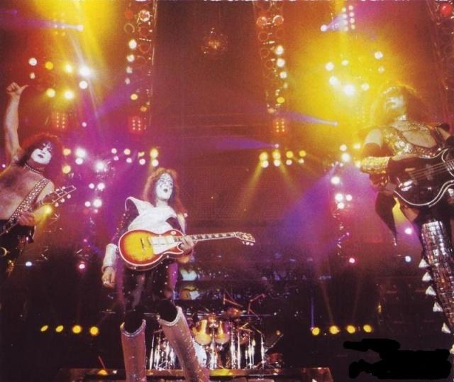 Alive  Worldwide  1996/1997 Kiss_910