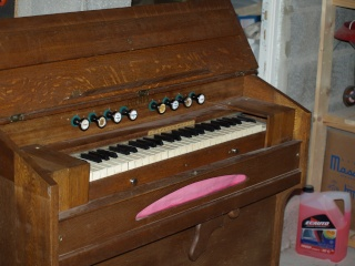 harmonium j henry P4071612