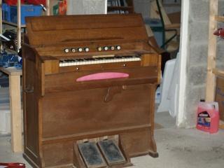 harmonium j henry P4071615