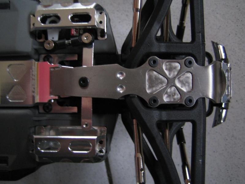 E-revo Cedleonr Photo/video modifs du 7/06 Chassis Carbon Img_3030