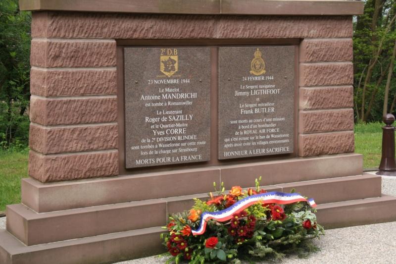 Cérémonie commémorative du 65e anniversaire de la victoire du 8 mai 1945 Img_8410