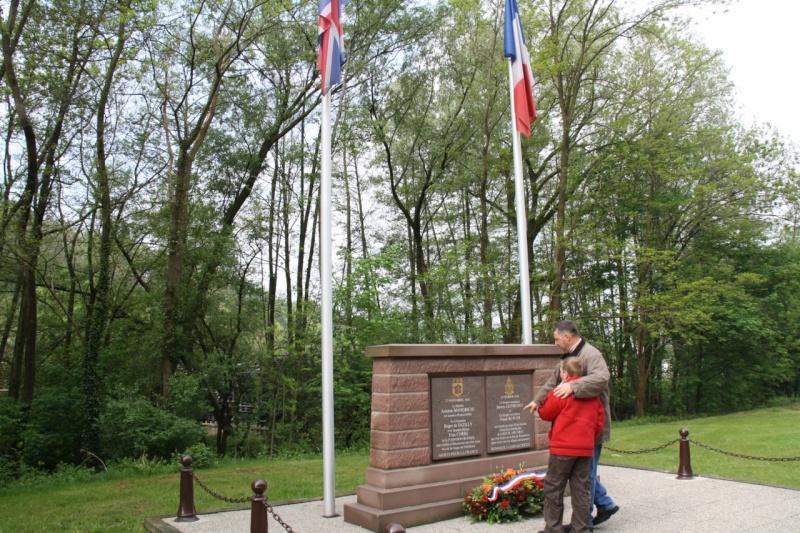 Cérémonie commémorative du 65e anniversaire de la victoire du 8 mai 1945 Img_8411