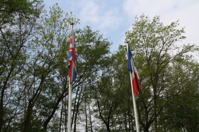 Cérémonie commémorative du 65e anniversaire de la victoire du 8 mai 1945 Img_8412
