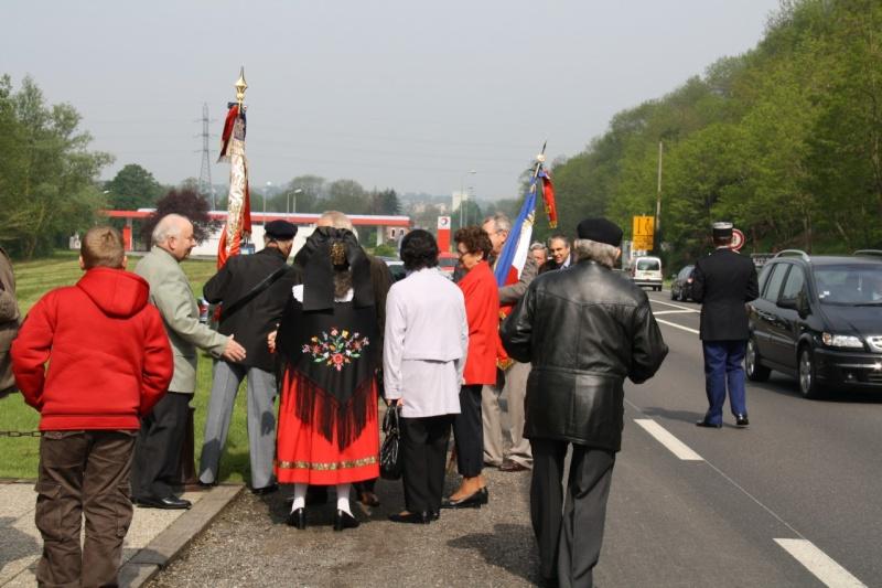Cérémonie commémorative du 65e anniversaire de la victoire du 8 mai 1945 Img_8414