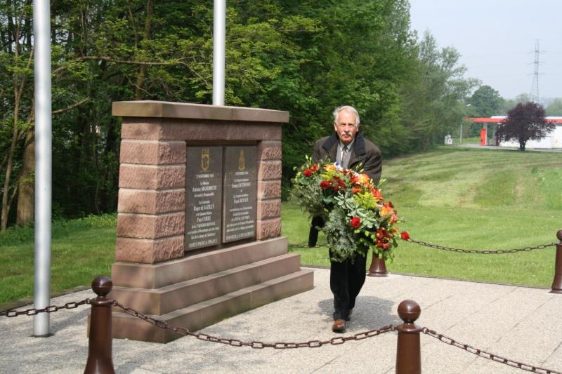 Cérémonie commémorative du 65e anniversaire de la victoire du 8 mai 1945 Img_8415