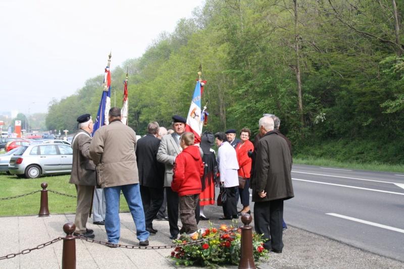 Cérémonie commémorative du 65e anniversaire de la victoire du 8 mai 1945 Img_8417