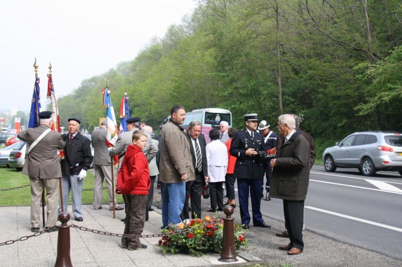 Cérémonie commémorative du 65e anniversaire de la victoire du 8 mai 1945 Img_8418