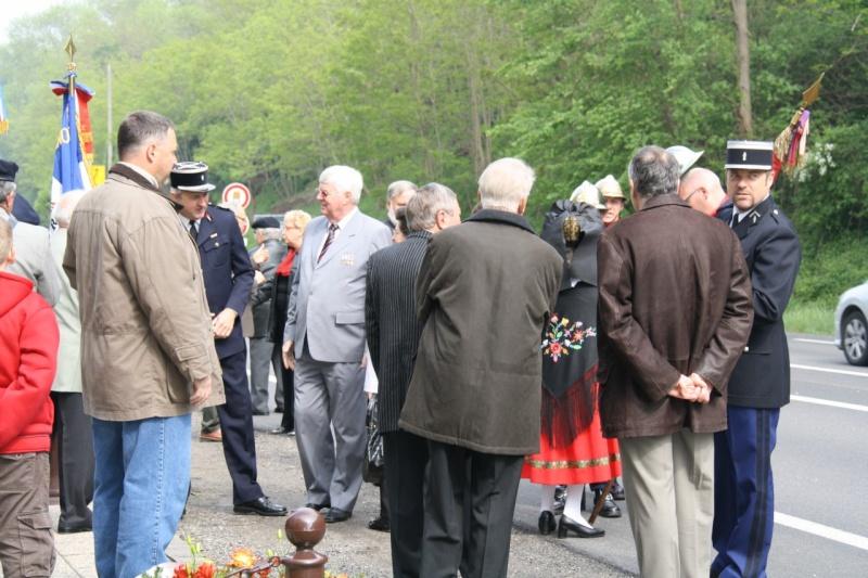 Cérémonie commémorative du 65e anniversaire de la victoire du 8 mai 1945 Img_8419