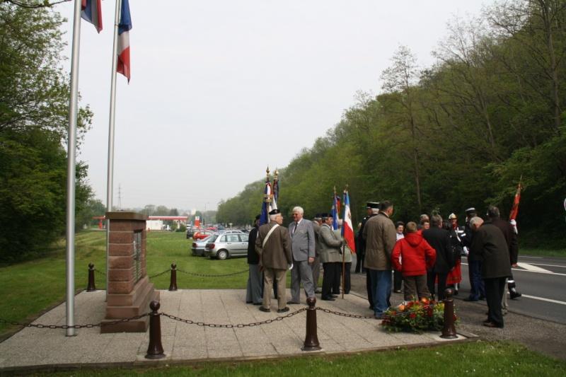 Cérémonie commémorative du 65e anniversaire de la victoire du 8 mai 1945 Img_8420