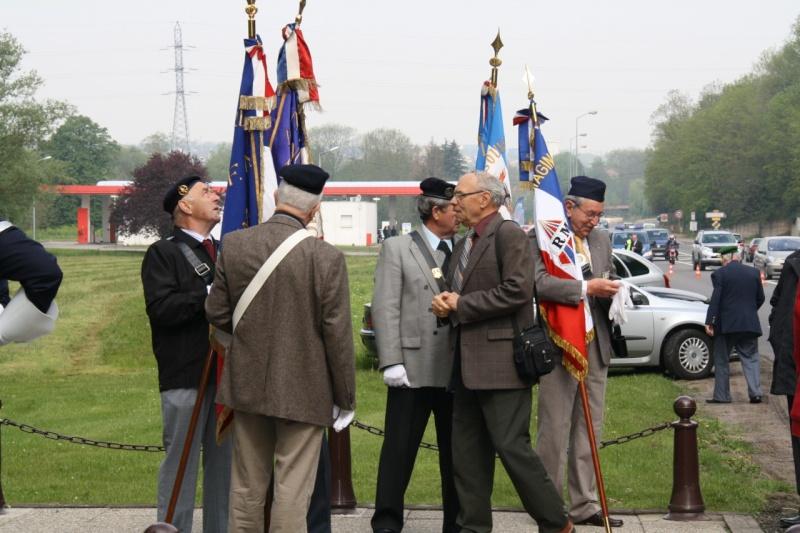 Cérémonie commémorative du 65e anniversaire de la victoire du 8 mai 1945 Img_8423
