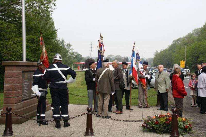 Cérémonie commémorative du 65e anniversaire de la victoire du 8 mai 1945 Img_8424