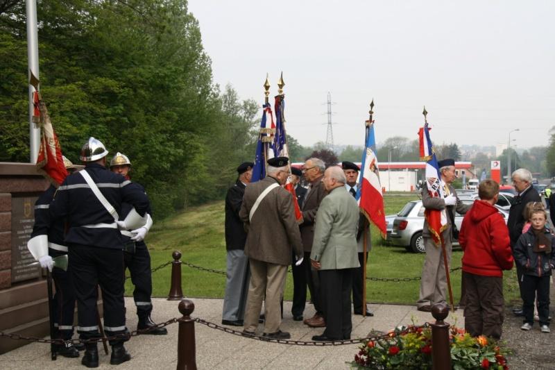 Cérémonie commémorative du 65e anniversaire de la victoire du 8 mai 1945 Img_8425