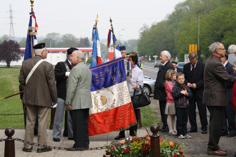 Cérémonie commémorative du 65e anniversaire de la victoire du 8 mai 1945 Img_8426