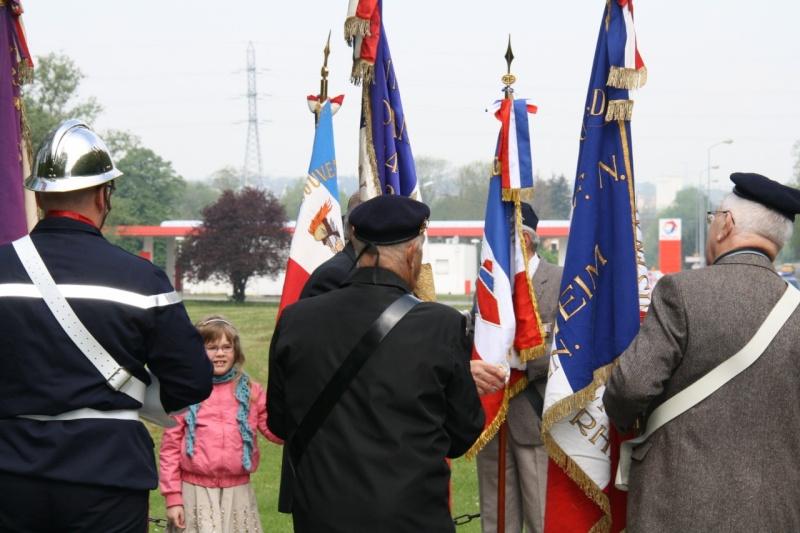 Cérémonie commémorative du 65e anniversaire de la victoire du 8 mai 1945 Img_8436