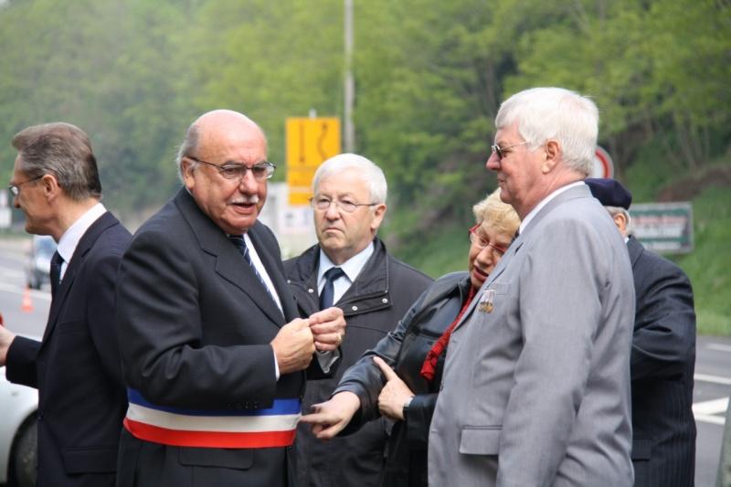 Cérémonie commémorative du 65e anniversaire de la victoire du 8 mai 1945 Img_8438
