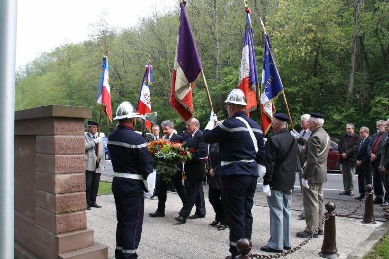 Cérémonie commémorative du 65e anniversaire de la victoire du 8 mai 1945 Img_8517