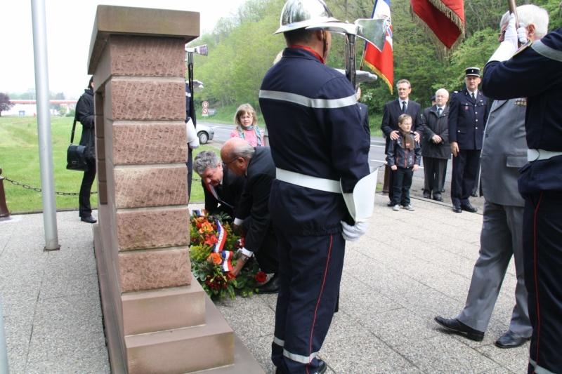 Cérémonie commémorative du 65e anniversaire de la victoire du 8 mai 1945 Img_8518