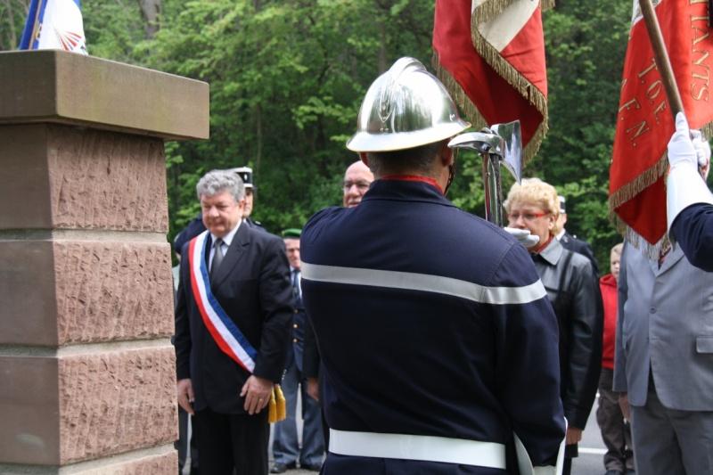 Cérémonie commémorative du 65e anniversaire de la victoire du 8 mai 1945 Img_8520