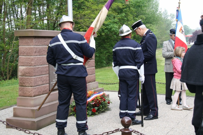 Cérémonie commémorative du 65e anniversaire de la victoire du 8 mai 1945 Img_8522