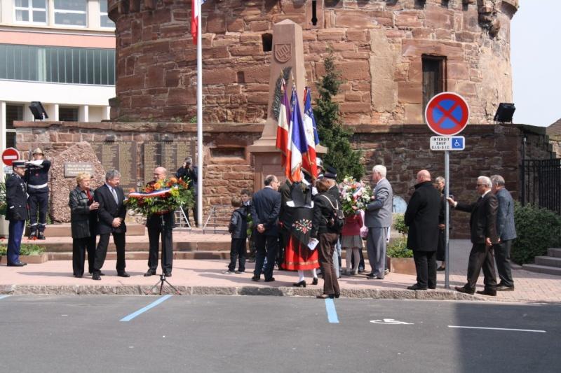Cérémonie commémorative du 65e anniversaire de la victoire du 8 mai 1945 Img_8530