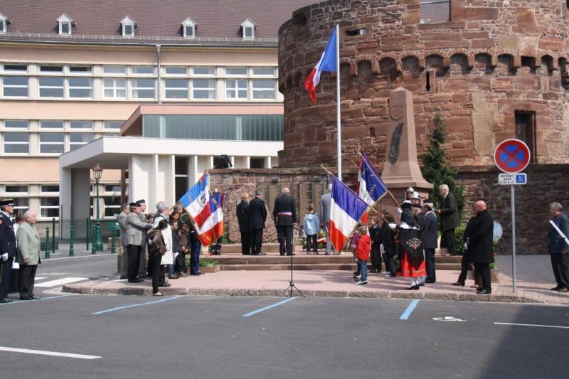 Cérémonie commémorative du 65e anniversaire de la victoire du 8 mai 1945 Img_8534
