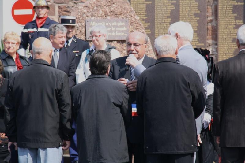 Cérémonie commémorative du 65e anniversaire de la victoire du 8 mai 1945 Img_8538
