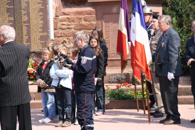 Cérémonie commémorative du 65e anniversaire de la victoire du 8 mai 1945 Img_8539