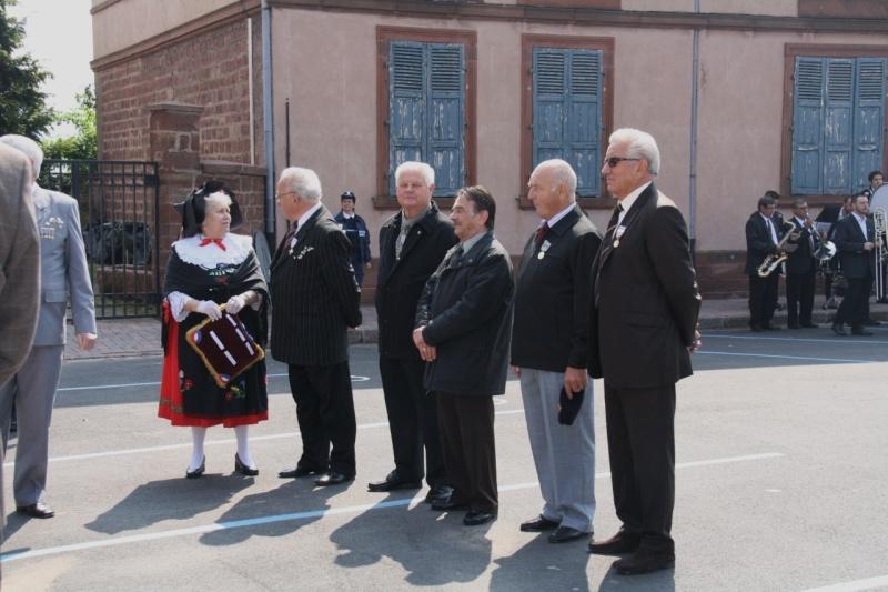 Cérémonie commémorative du 65e anniversaire de la victoire du 8 mai 1945 Img_8543