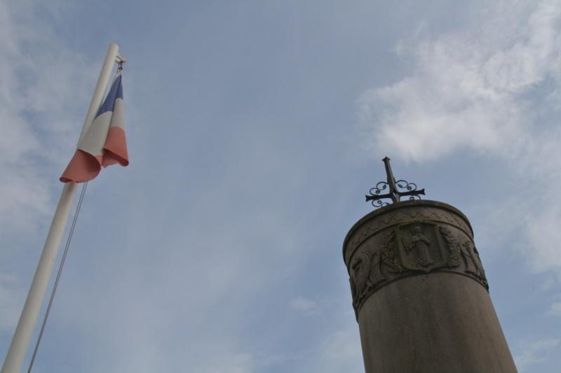 Cérémonie commémorative du 65e anniversaire de la victoire du 8 mai 1945 Img_8560