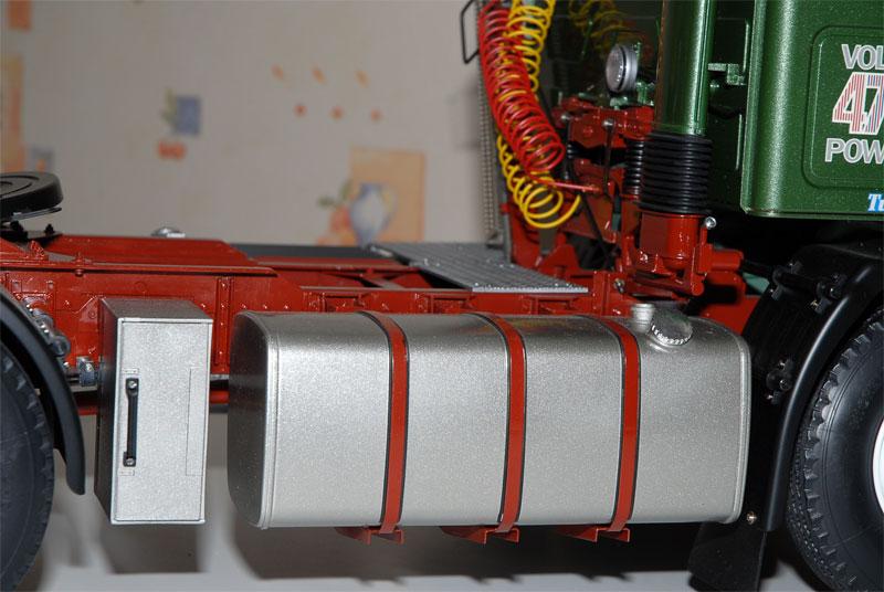 VOLVO F16 Globetrotter et ATLAS TR500S. Echelle 1/8° Ppm_0153