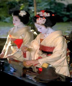 Les geishas Ceremo10