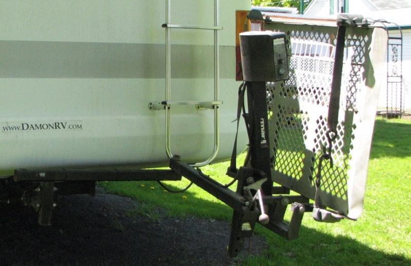 VENDU - ÉLÉVATEUR ÉLECTRIQUE s'installe sur bar de tire capacité 360 lbs Open_h13