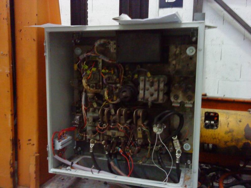Commande d'un moteur - Page 2 Armoir10