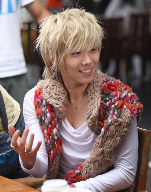 The best blonde Mqxht10