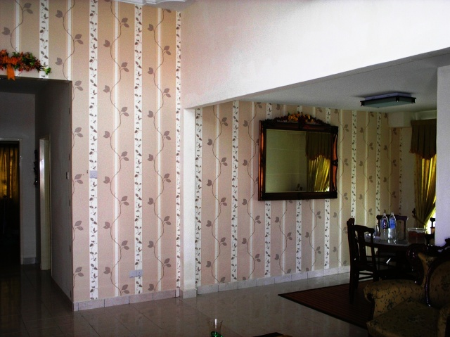 Wallpaper n wallcovering 1410