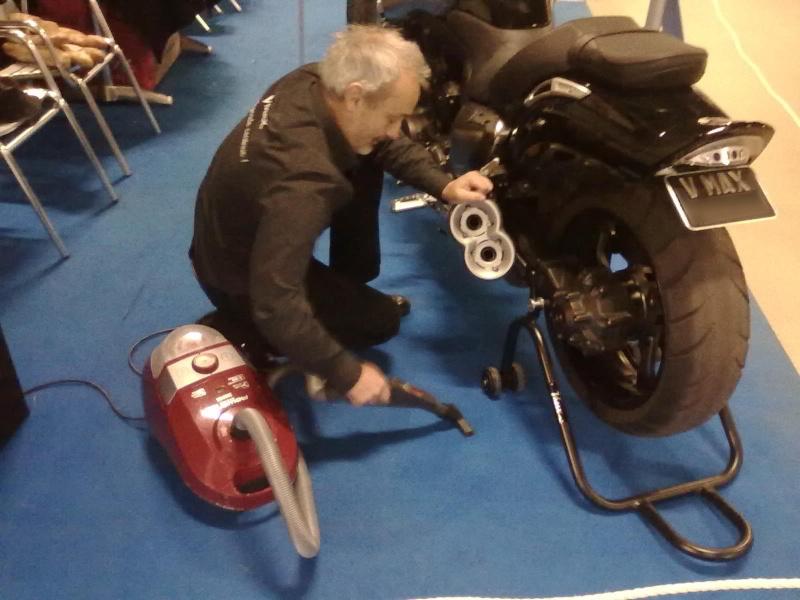Salon moto Légende 19-21 Novembre 2010 - Page 2 21112010