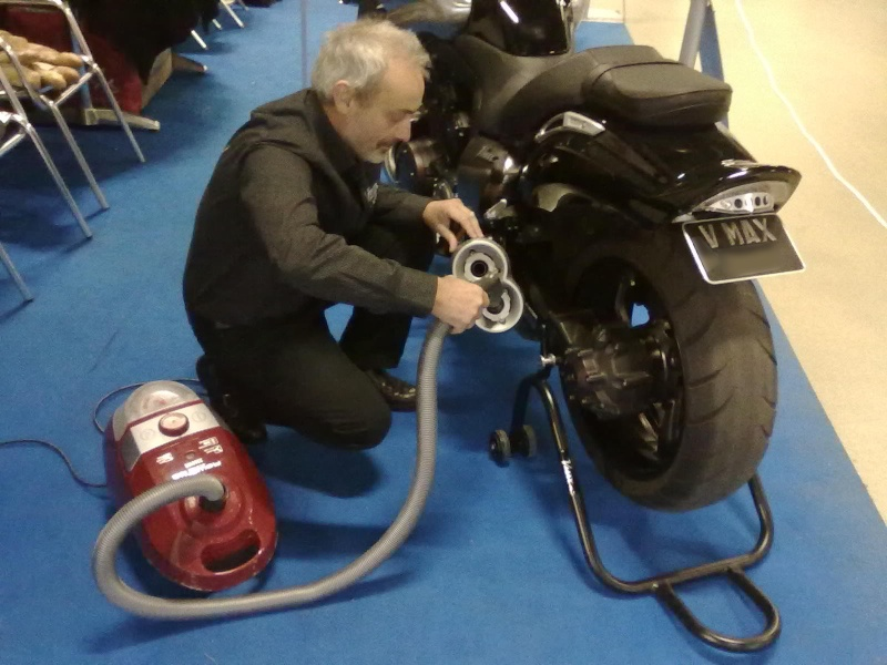 Salon moto Légende 19-21 Novembre 2010 - Page 2 21112011