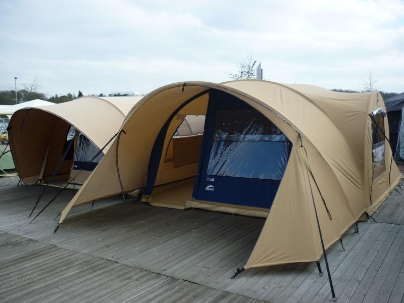 Exposition tentes et pliantes chez latour P1040521