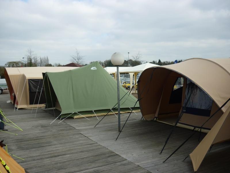 Exposition tentes et pliantes chez latour P1040522
