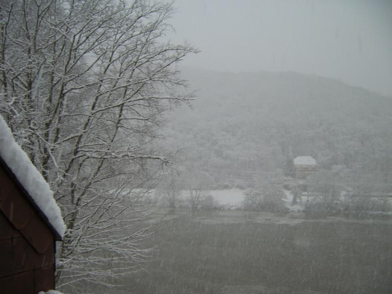 Photos de neige du coté de chez vous - Page 2 Sv500010