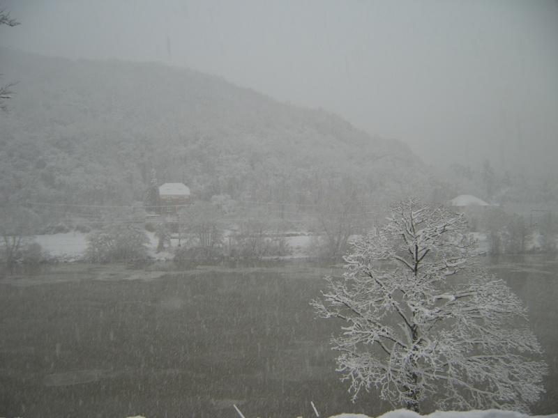 Photos de neige du coté de chez vous - Page 2 Sv500011
