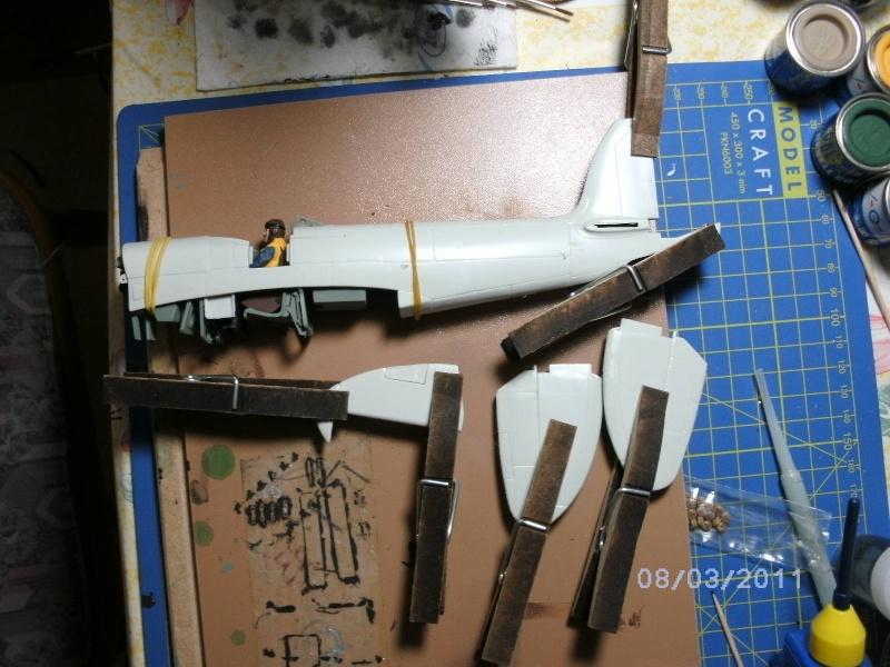 Spitfire Mk.22/24 in 1:32 von Revell Pictru10