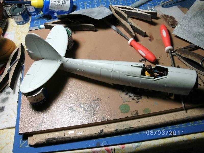 Spitfire Mk.22/24 in 1:32 von Revell Pictru12