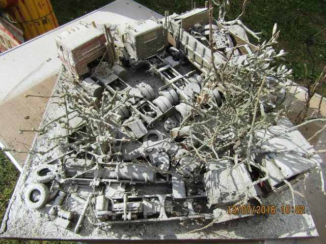 Diorama International abandonné en hiver. Dio_in19