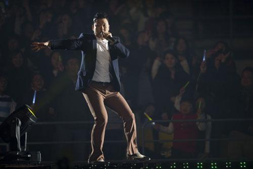 [PLURI] Concert de la YG Family 20101210