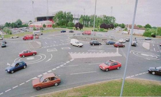 [Papeete] Le permis de conduire à Papeete durant nos campagnes - Page 6 Girato10