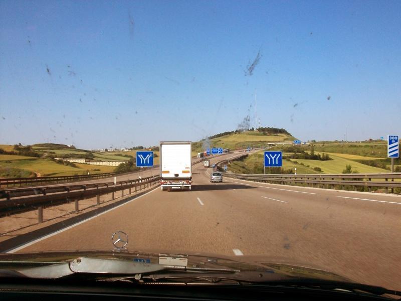 En route vers le sahara, avec ma Mercedes!  100_3011