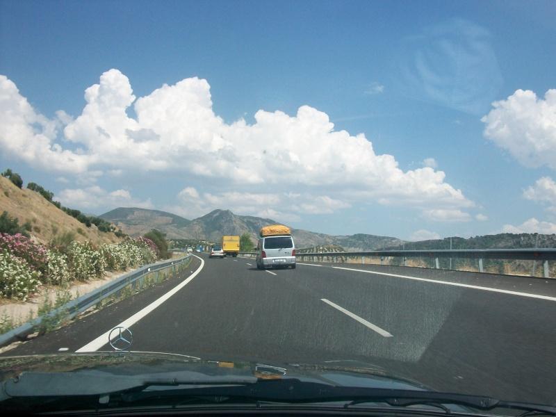 En route vers le sahara, avec ma Mercedes!  100_3032