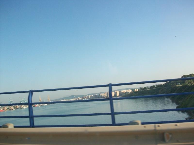 En route vers le sahara, avec ma Mercedes!  100_3043